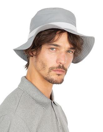 Chapéu com aba larga